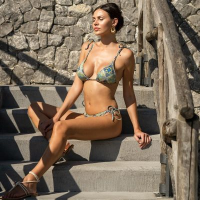 Atena triangle bikini with blue and green decorations Hmlf33 art31_hmlf33 Hamalfitè 60,00 € Swimsuit amalfi coast, positano, ...