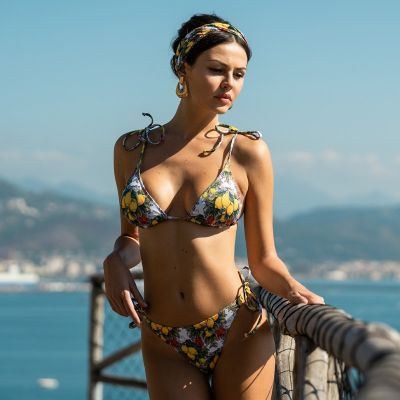 Triangle bikini Atena Lemons and Chillies Hmlf35 art31_hmlf35 Hamalfitè 60,00 € Swimsuit amalfi coast, positano, capri ischia...
